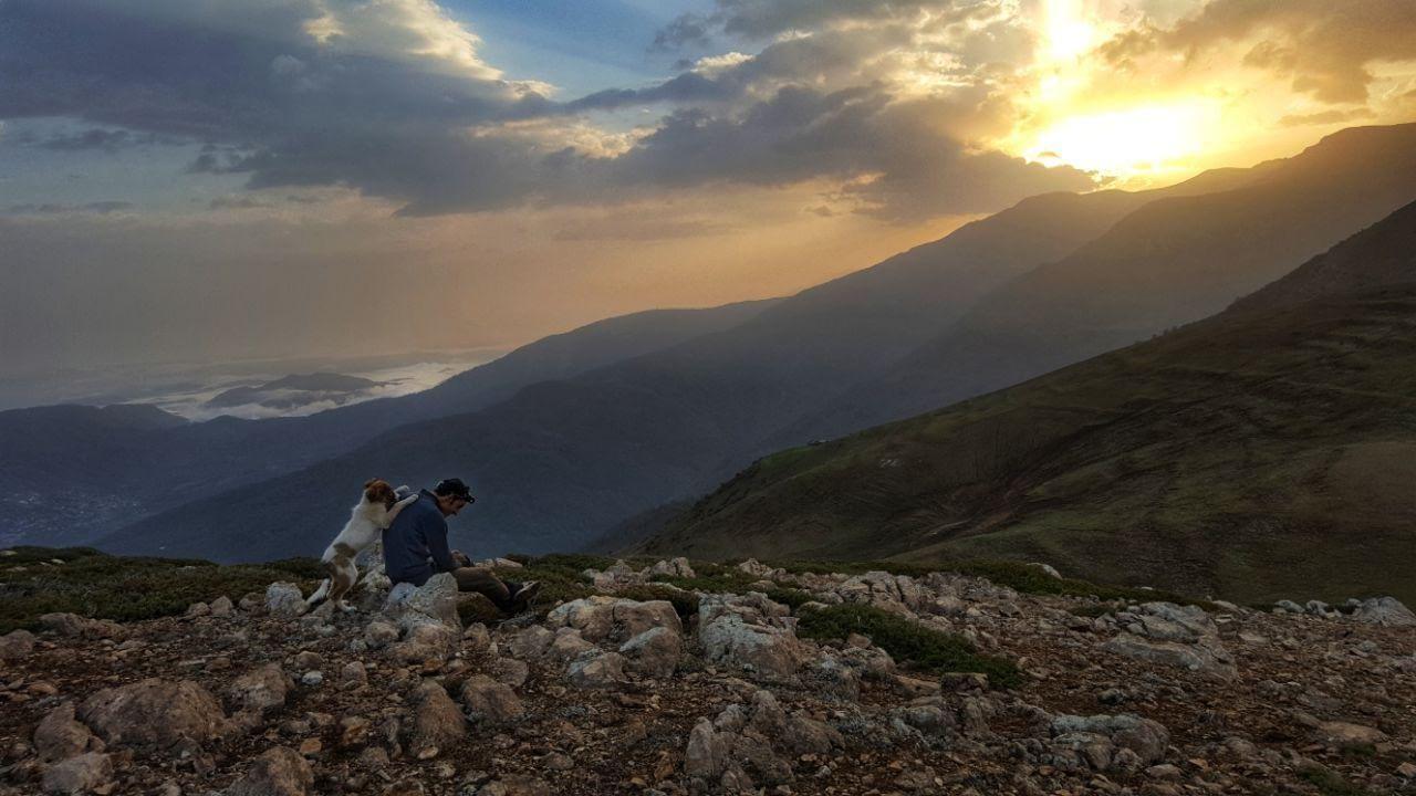 طلوع آفتاب بر فراز قله الیمستان